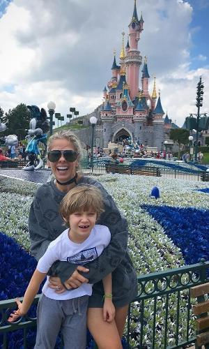 Adriane Galisteu férias com filhos