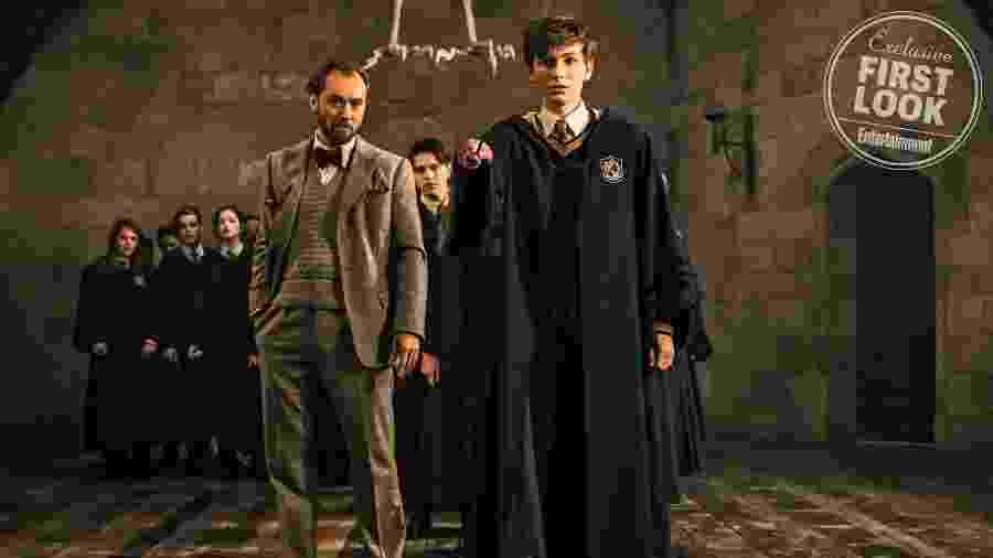 """O ator Joshua Shea (à direita) em imagem de """"Animais Fantásticos: Os Crimes de Grindelwald"""" - Jaap Buitendijk/Reprodução"""