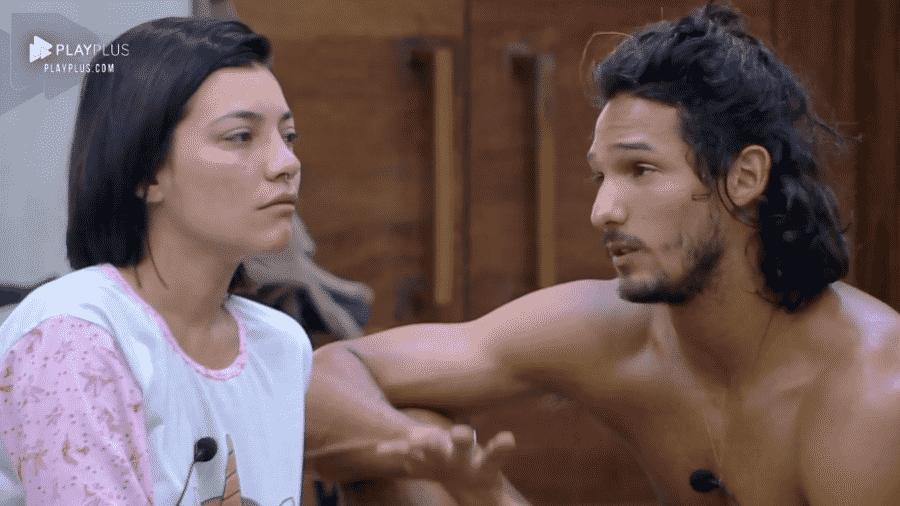 """Gabi Prado chora por causa das punições em """"A Fazenda 10"""" - Reprodução/PlayPlus"""