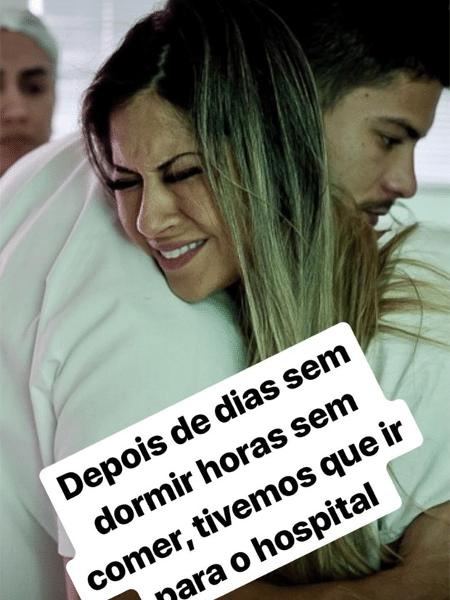 Mayra Cardi e Arthur Aguiar posam juntos no parto da filha do casal, Sophia - Reprodução/Instagram/mayracardi