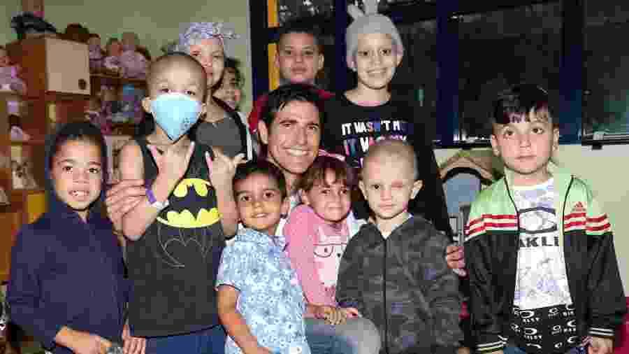 Reynaldo Gianecchini visita hospital GRAACC em São Paulo - Lucas Ramos / AgNews