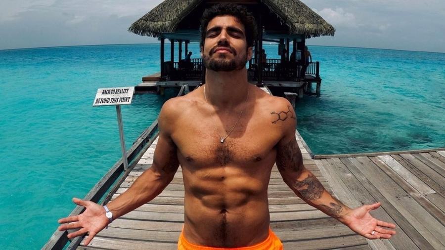 Caio Castro em momento de paz nas ilhas Maldivas - Diculgação