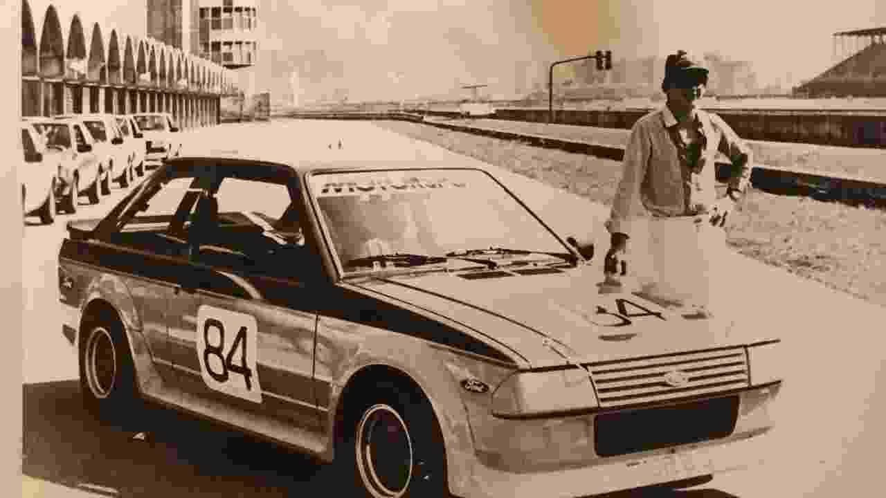 Ayrton Senna com Ford Escort 1 - Reprodução/Helio Perini/Arquivo pessoal