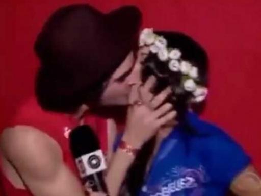 """BBB 21"": Internautas 'resgatam' vídeo de beijo entre Fiuk e Thalita Meneghim"