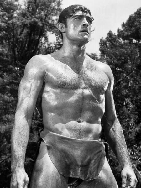 """Mike Henry em cena de """"Tarzan e o Grande Rio"""" (1967) - Reprodução/IMDb"""