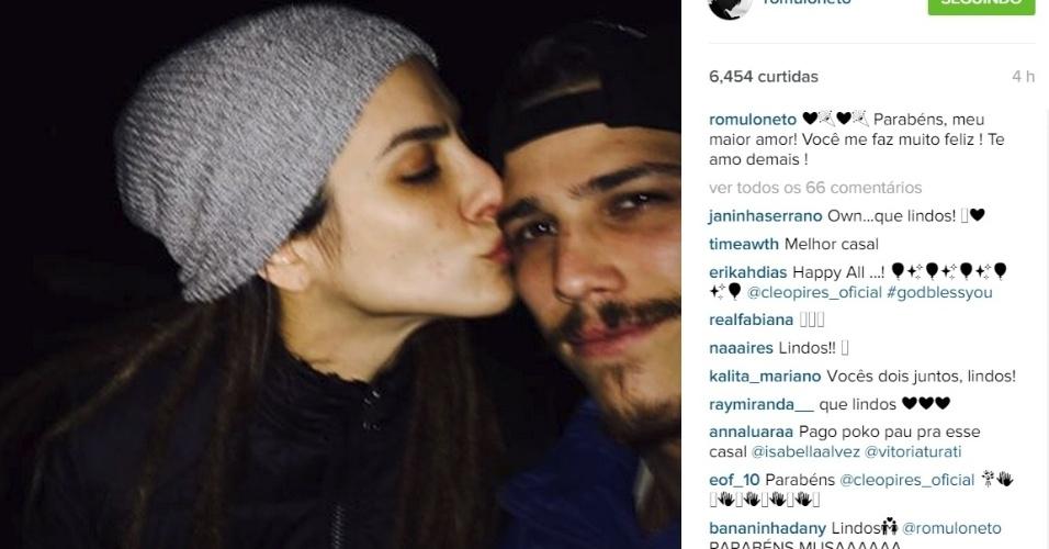 2.out.2015 - Na madrugada desta sexta-feira, Rômulo Neto usou seu perfil no Instagram para parabenizar sua namorada, Cleo Pires, pelo aniversário de 33 anos.