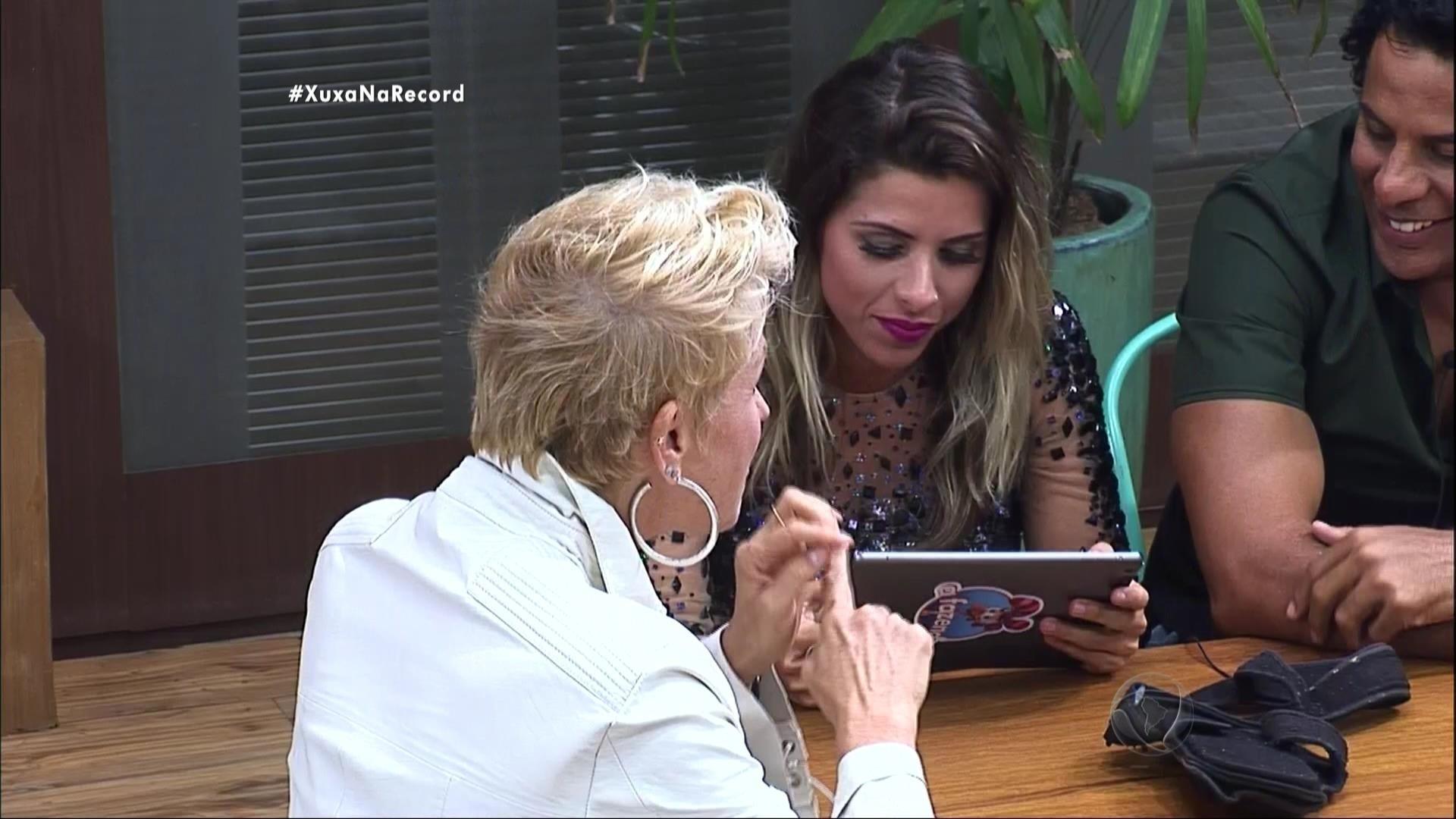 7.dez.2015 - Ana Paula tinha esperanças de reencontrar Thiago mas Xuxa disse que por ter desistido de participar de