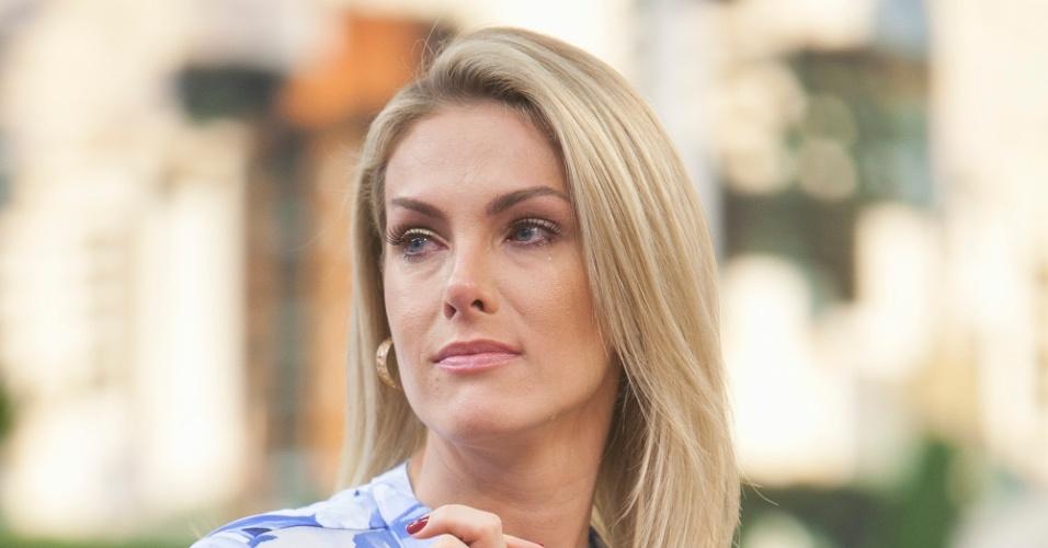"""Ana Hickmann se emociona em sua volta ao """"Hoje em Dia"""""""