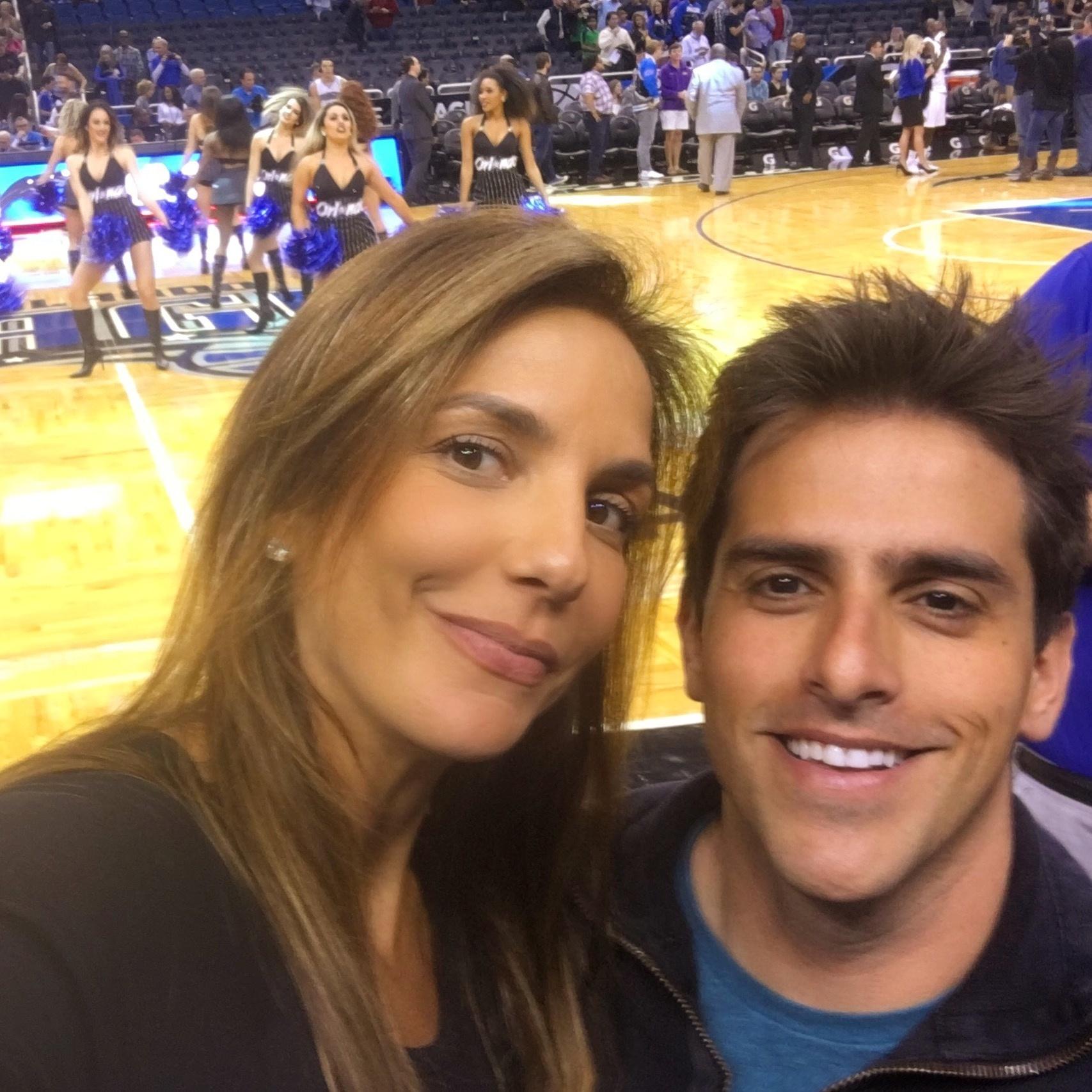 Rodrigo Branco também levou Ivete Sangalo para curtir um jogo da NBA, liga norte-americana de basquete