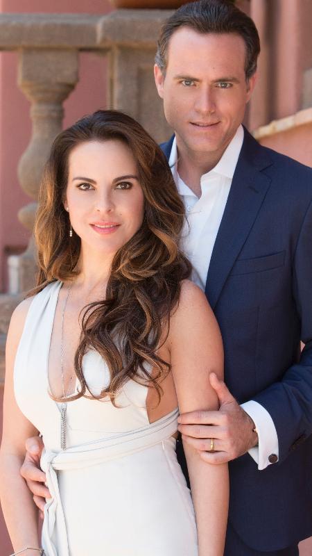 "Kate del Castillo e Erik Hayser em cena de ""Ingobernable"", da Netflix - Dan MacMedan/Netflix/Divulgação"