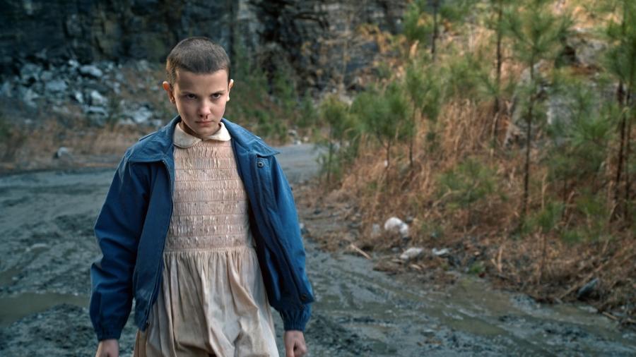 """A atriz Millie Bobby Brown como Eleven em cena de """"Stranger Things"""" - Reprodução"""