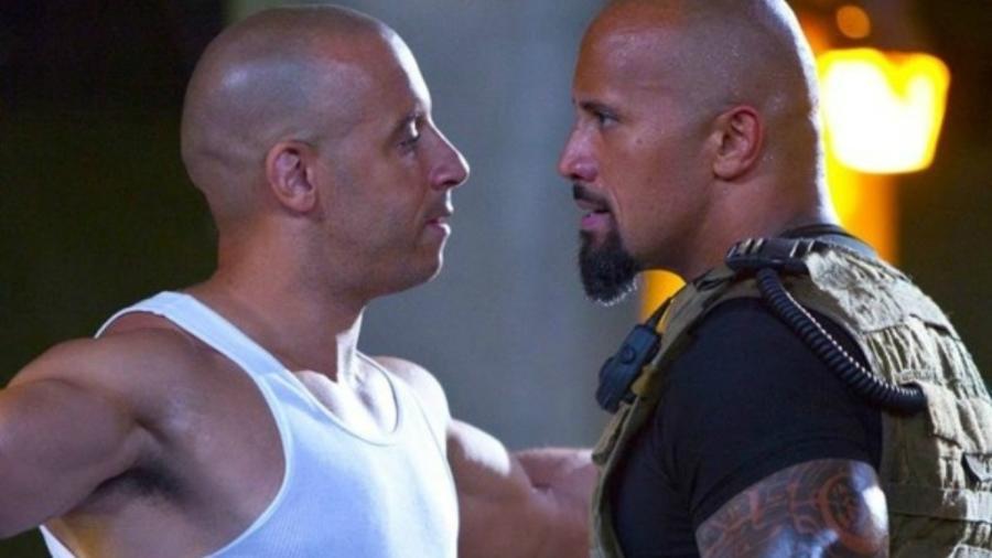 """Vin Diesel e The Rock em """"Velozes e Furiosos 8"""" (2017), o mais visto este ano na TV paga - Divulgação"""