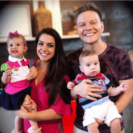 Michel Teló e Thais Fersoza com os filhos, Manuela e Teodoro - Reprodução/Instagram/micheltelo