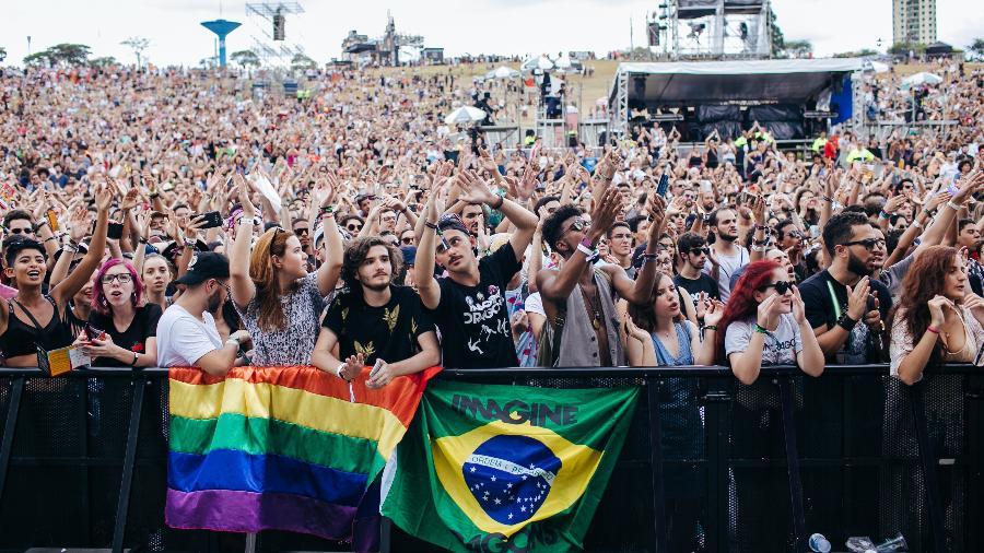 Público chega cedo ao segundo dia de Lollapalooza Brasil 2018 - Felipe Gabriel/UOL