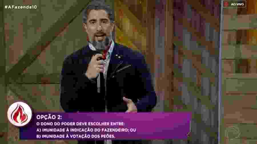 """Marcos Mion apresenta as opções da chama vermelha em """"A Fazenda 10"""" - Reprodução/RecordTV"""