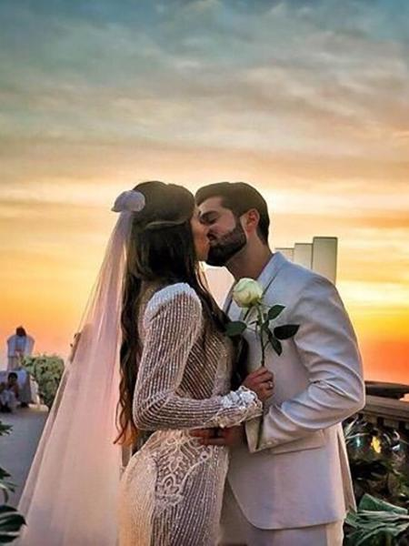 Romana Novais e o DJ Alok durante a cerimônia ao nascer do sol no Cristo Redentor - Reprodução/Instagram