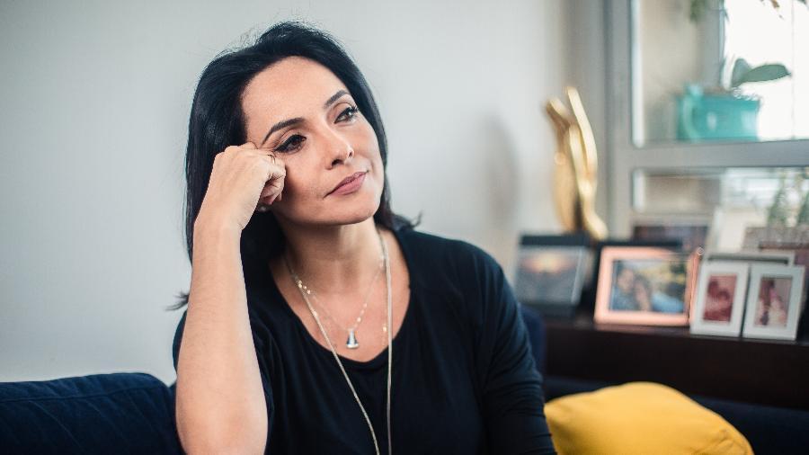 Retrato da jornalista Izabella Camargo que conta sua experiência com a síndrome de burnout - Lucas Seixas/UOL