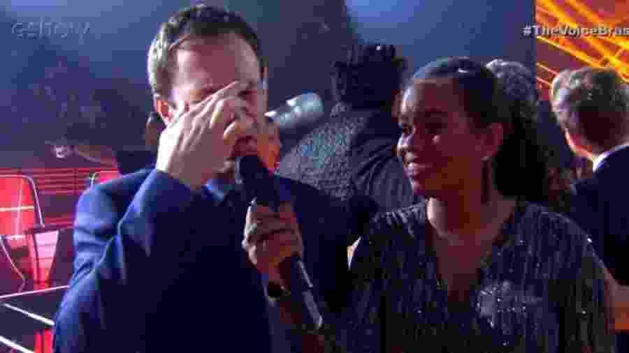 Tiago Leifert emocionado com final da oitava temporada do The Voice Brasil - Reprodução/GShow
