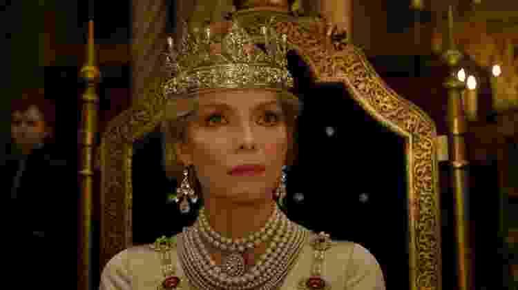 Michelle Pfeiffer como a Rainha Ingrith de Malévola: Dona do Mal - Disney - Disney