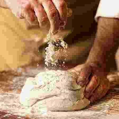"""Você é daqueles que está na """"fábrica de pães da quarentena""""? - iStock"""