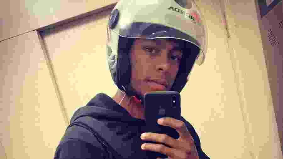 O motoboy Matheus Filipe está fazendo sucesso no TikTok com seus vídeos - Reprodução/Instagram