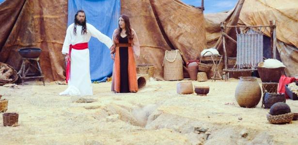 Corá (esq.) achou que estava abafando mas foi punido por Deus, segundo a BÍblia - Munir Chatack/Record