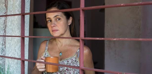 """Adriana Esteves é Fátima em """"Justiça"""". Na série, a mãe de família tenta retomar a vida após passar sete anos na prisão - Estevam Avellar/Globo"""