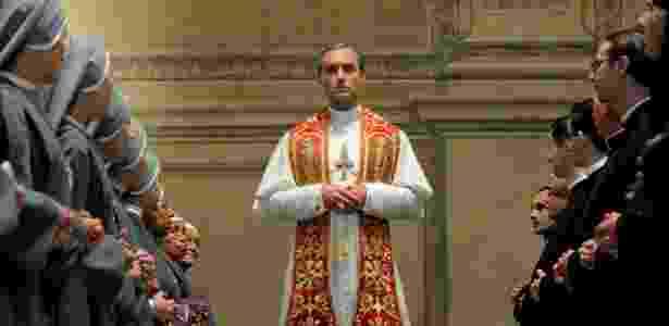 """Jude Law interpreta Lenny Belardo, o papa Pio 13, na série """"The Young Pope"""" - Gianni Fiorito/Divulgação - Gianni Fiorito/Divulgação"""