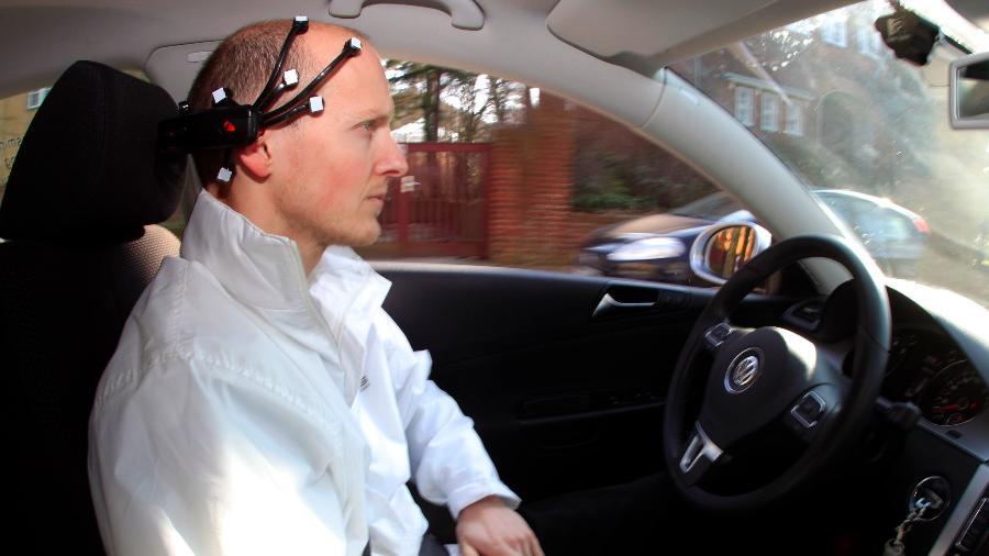 A Volkswagen também já fez testes em que o cérebro comandava diretamente as ações do carro - Fabrizio Bensch/Reuters