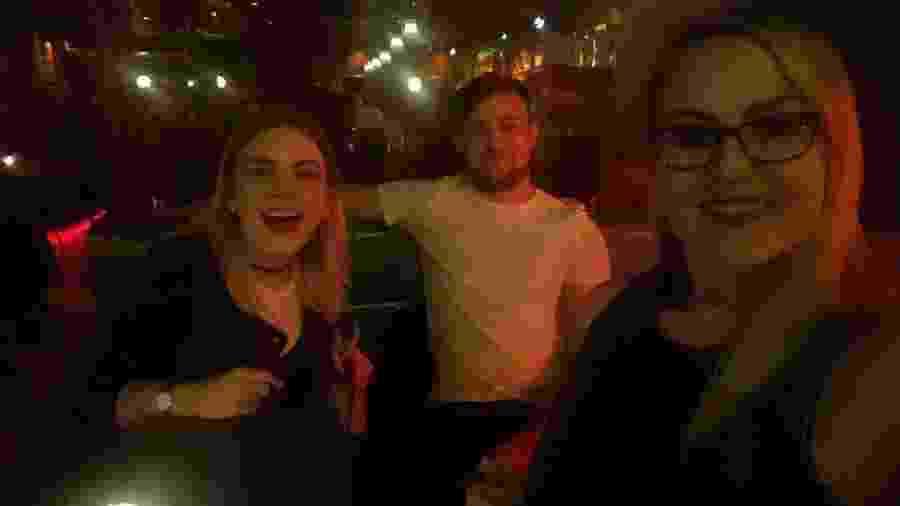 Mared, Matt e Georgia: o constrangedor encontro entre um homem e suas duas namoradas - Reprodução/Twitter