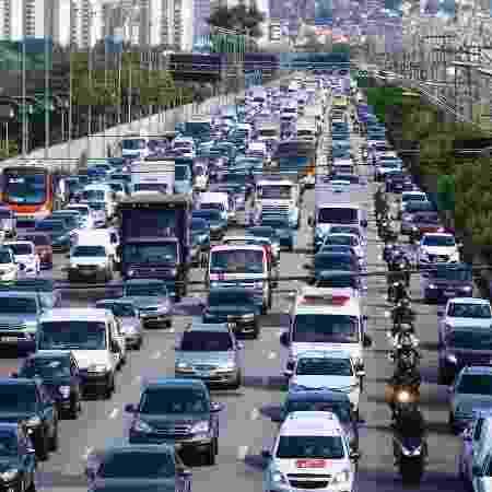 Veículos sem os documentos em dia são proibidos de circular  - Marcos Bezerra/Futura Press/Estadão Conteúdo