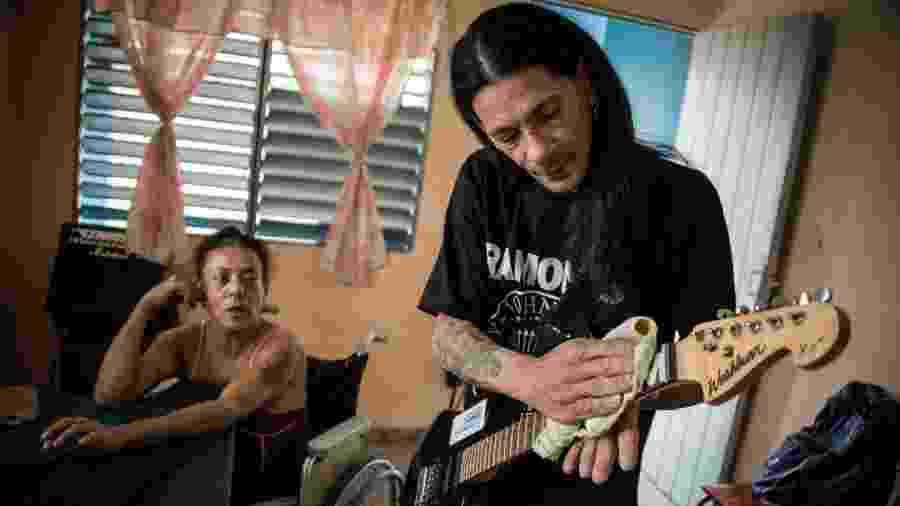 O casal Gerson Govea e Yohandra Cardoso - AFP