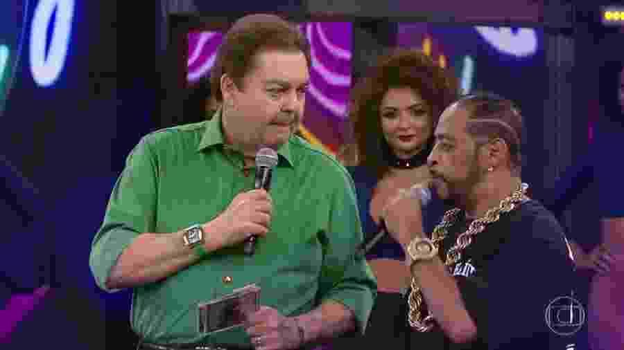 """Thaíde """"entrega"""" participação do """"Ira!"""" no """"Ding Dong"""" ao vivo no """"Domingão do Faustão"""" - Reprodução/TV Globo"""
