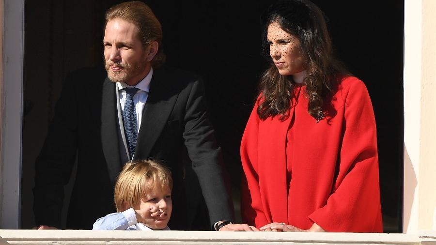 Andrea Casiraghi, herdeiro do principado, e a mulher, Tatiana Santo Domingo com o filho, Sacha - Getty Images