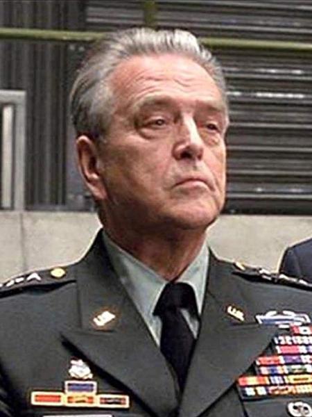 """O ator Stanley Anderson como General Slocum em """"Homem-Aranha"""" - Reprodução"""