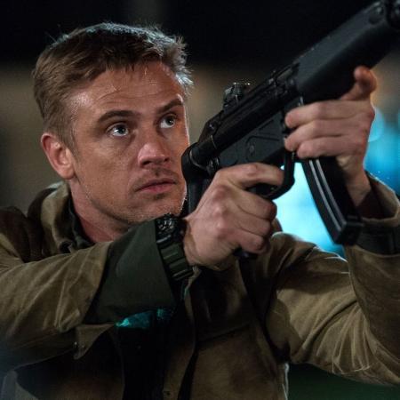 """Boyd Holbrook em cena de """"O Predador"""" - Reprodução"""