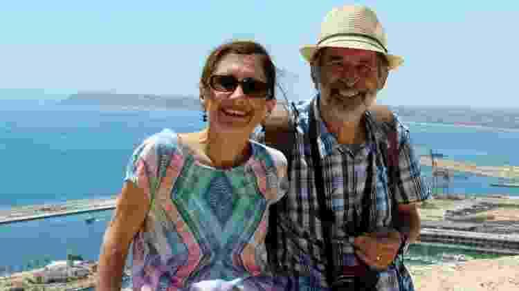 O casal Prue e Steve Wright largou a vida na Austrália para passar um tempo em Londres; de lá, os dois conseguem trabalhar e fazer viagens regulares nos fins de semana - Arquivo pessoal/BBC - Arquivo pessoal/BBC