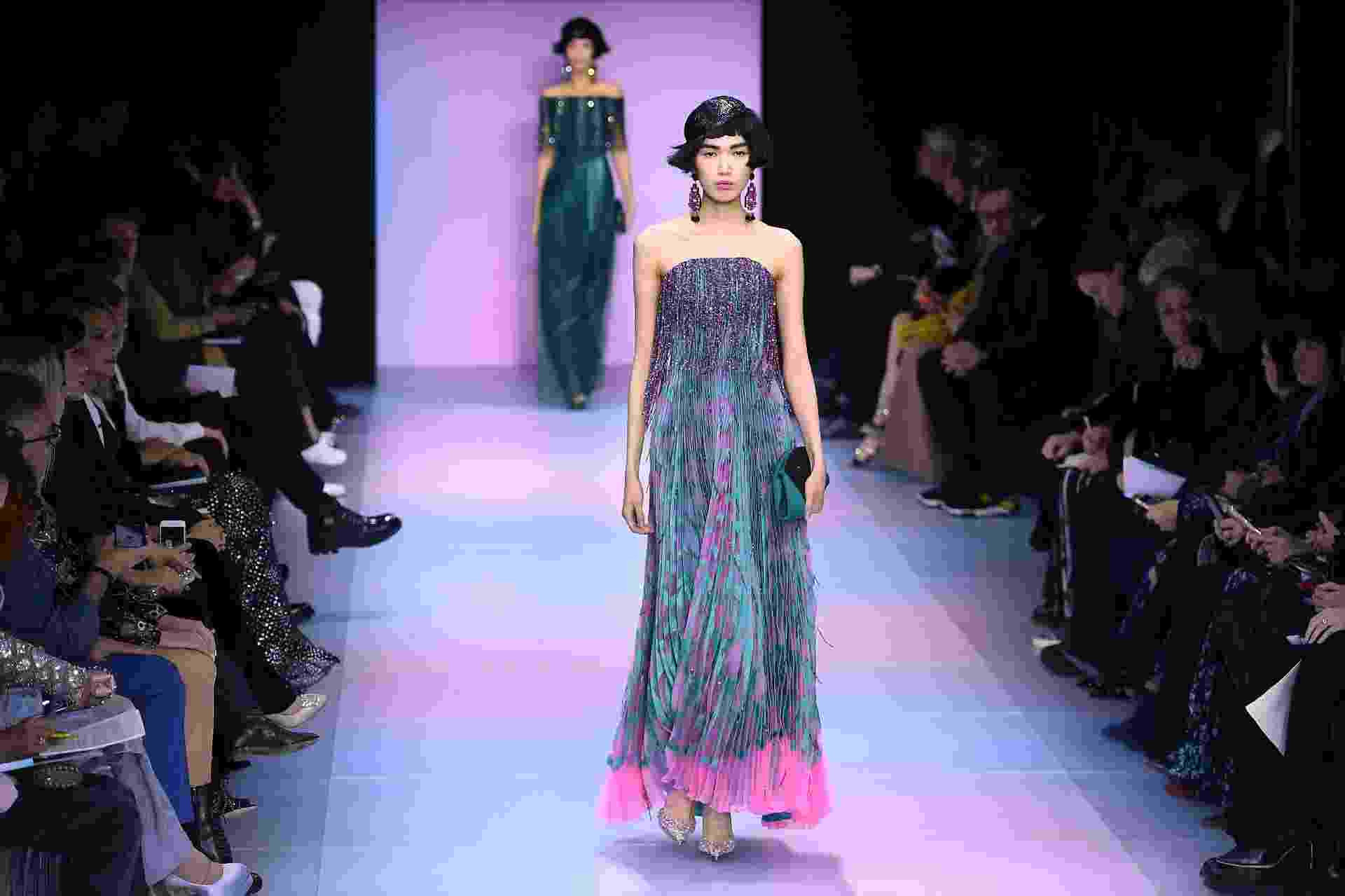 Desfile da Armani na Semana de Moda de Paris - CHRISTOPHE ARCHAMBAULT / AFP