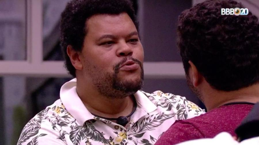 Babu conversa com Victor Hugo no quarto vila - Reprodução/GlobosatPlay