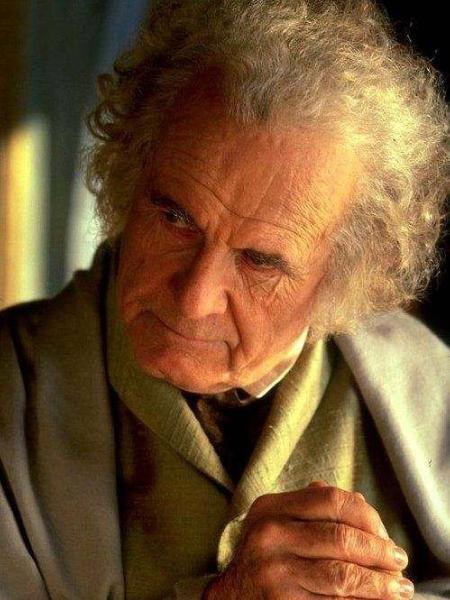 """Ian Holms como Bilbo em """"O Senhor dos Anéis"""" - Reprodução/IMDb"""