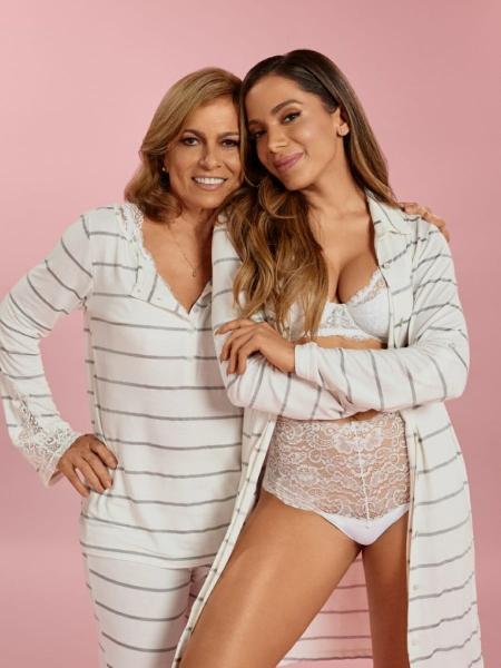 Anitta posa ao lado da mãe, Miriam, para campanha da marca Hope - João Arraes/Divulgação