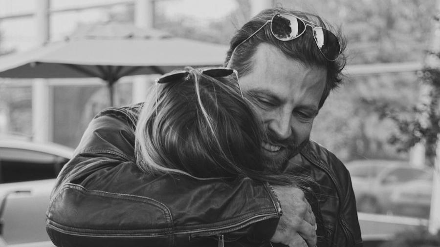 Sabrina Caminski e Henri Castelli haviam tornado o namoro público em abril deste ano - Reprodução/Instagram