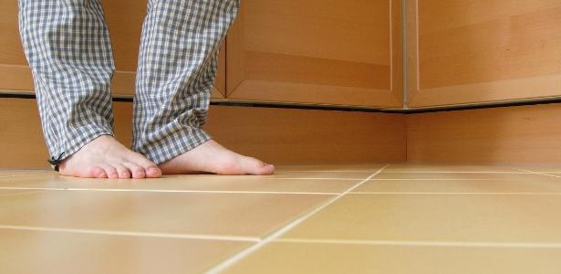 Através do aquecimento do piso, o calor é dissipado pelo ambiente por radiação - Getty Images