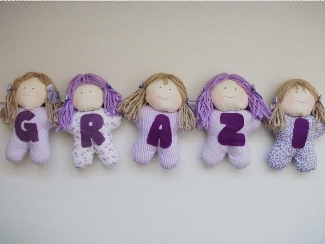 Varal de bonecas de pano com o nome do bebê, da Denise Bierende (www.elo7.com.br/denisebierende). R$ 9,59 (cada boneca). Preço pesquisado em agosto de 2015 e sujeito a alterações