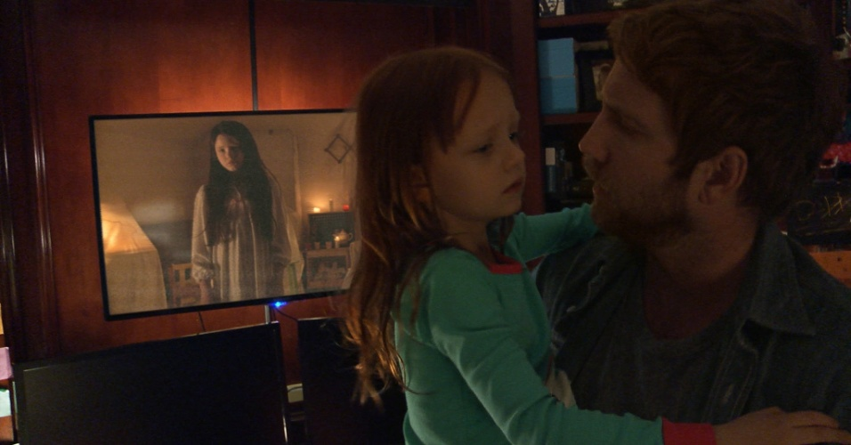"""Cena do filme """"Atividade Paranormal: Dimensão Fantasma"""" (2015)"""
