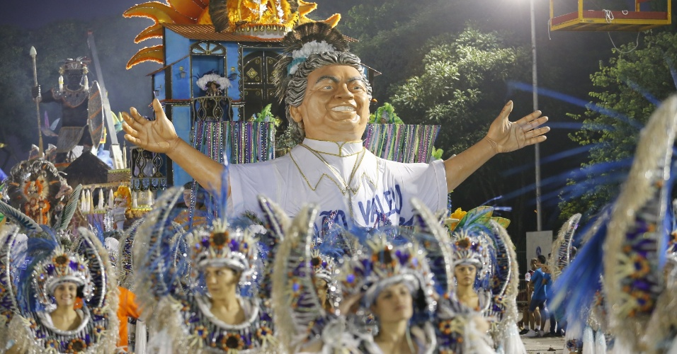 6.fev.2015 - Acadêmicos do Tatuapé homenageia Beija-Flor de Nilópolis no Carnaval 2016 de São Paulo