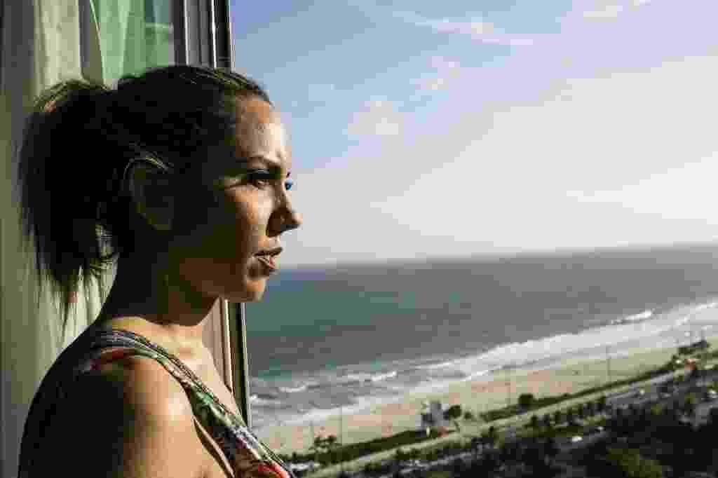 O nome de Renata Frisson, mais conhecida como Mulher Melão, é Cristina Célia Antunes. Modelo e funkeira, ela não revela a idade de jeito nenhum - Bruna Prado/UOL