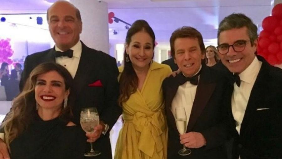 Sonia Abrão compartilha foto com estrelas da RedeTV! no aniversário de Daniela Albuquerque, em São Paulo - Reprodução/Instagram/