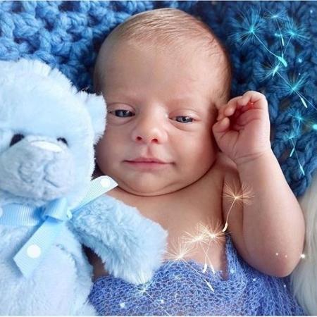 Bebê de Karina Bacchi está cada dia mais parecido com a mamãe - Reprodução/Instagram Karina Bacchi