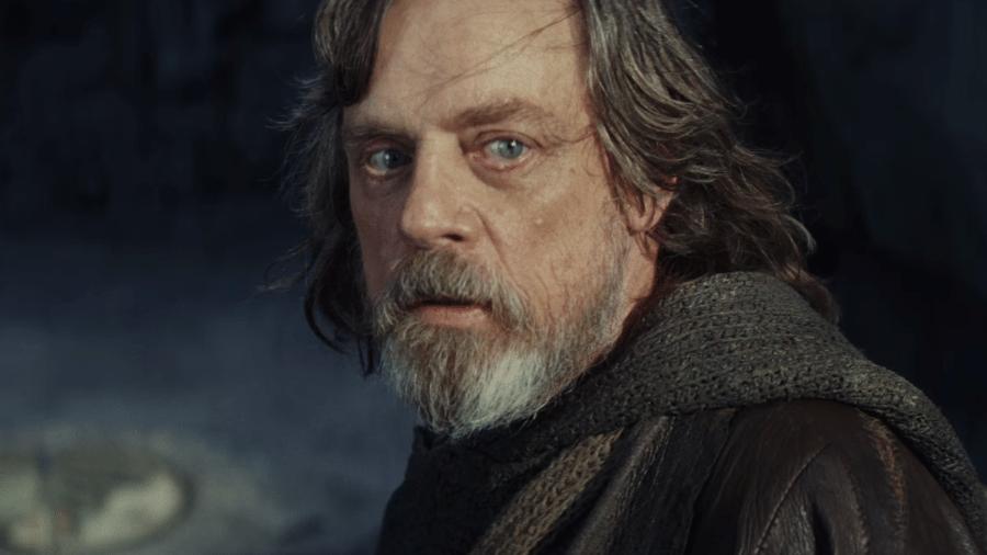 """Luka Skywalker (Mark Hamill) em cena de """"Star Wars: Os Últimos Jedi"""" - Reprodução"""